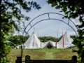 tipi in arch